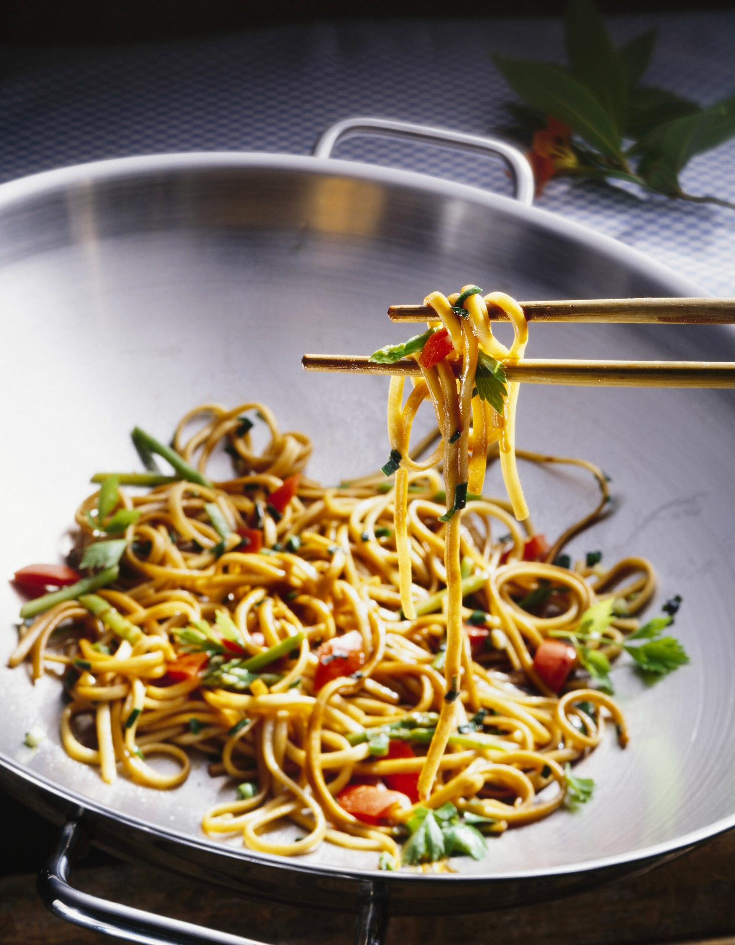 Il existe une meilleure fa on de cuire les p tes sans que vous perdez plus votre temps et votre - Cuisiner des pates chinoises ...